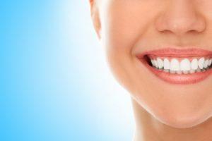 Få et friskt og pent smil med estetisk tannbehandling.