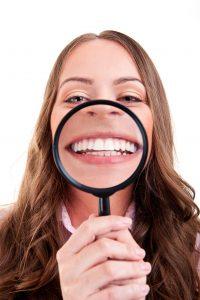 Sjekk av slimhinne og tunge skal være inkludert i din årlige undersøkelse hos tannlegen.