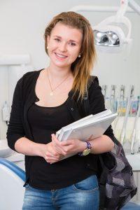 Vi tilbyr studentrabatt på tannbehandling.